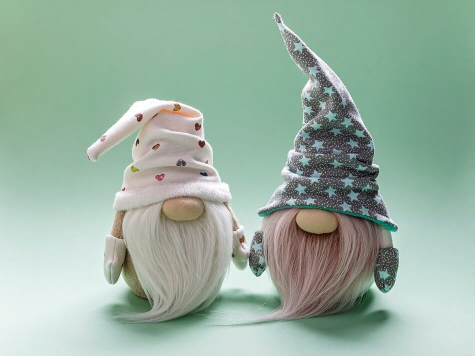 Two gnomes that you can look at for gnome pun and joke inspiration